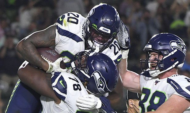 Seahawks dominate line of scrimmage in 23-15 preseason win over Chargers