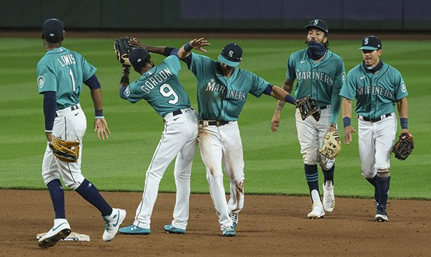 Mariners uniforms